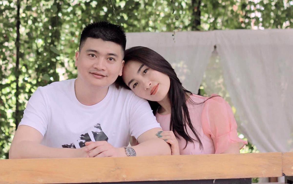Anh Cường, 35 tuổi và vợ, chị Thu Trang, 33 tuổi. Ảnh: Nhân vật cung cấp.