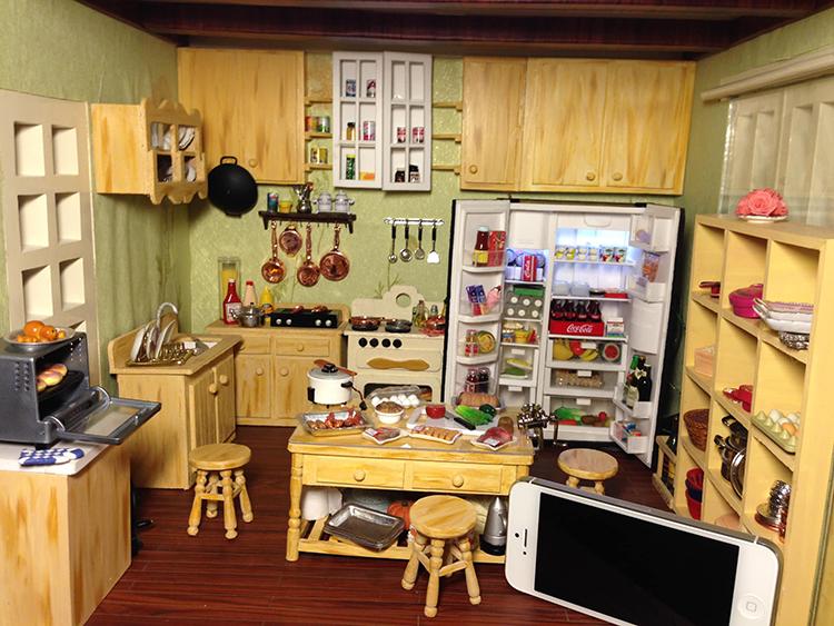 Ngoài đồ ăn, hoa quả, Như Quỳnh còn chế tác ra những ngôi nhà búp bê siêu nhỏ với đầy đủ đồ đạc thiết yếu.