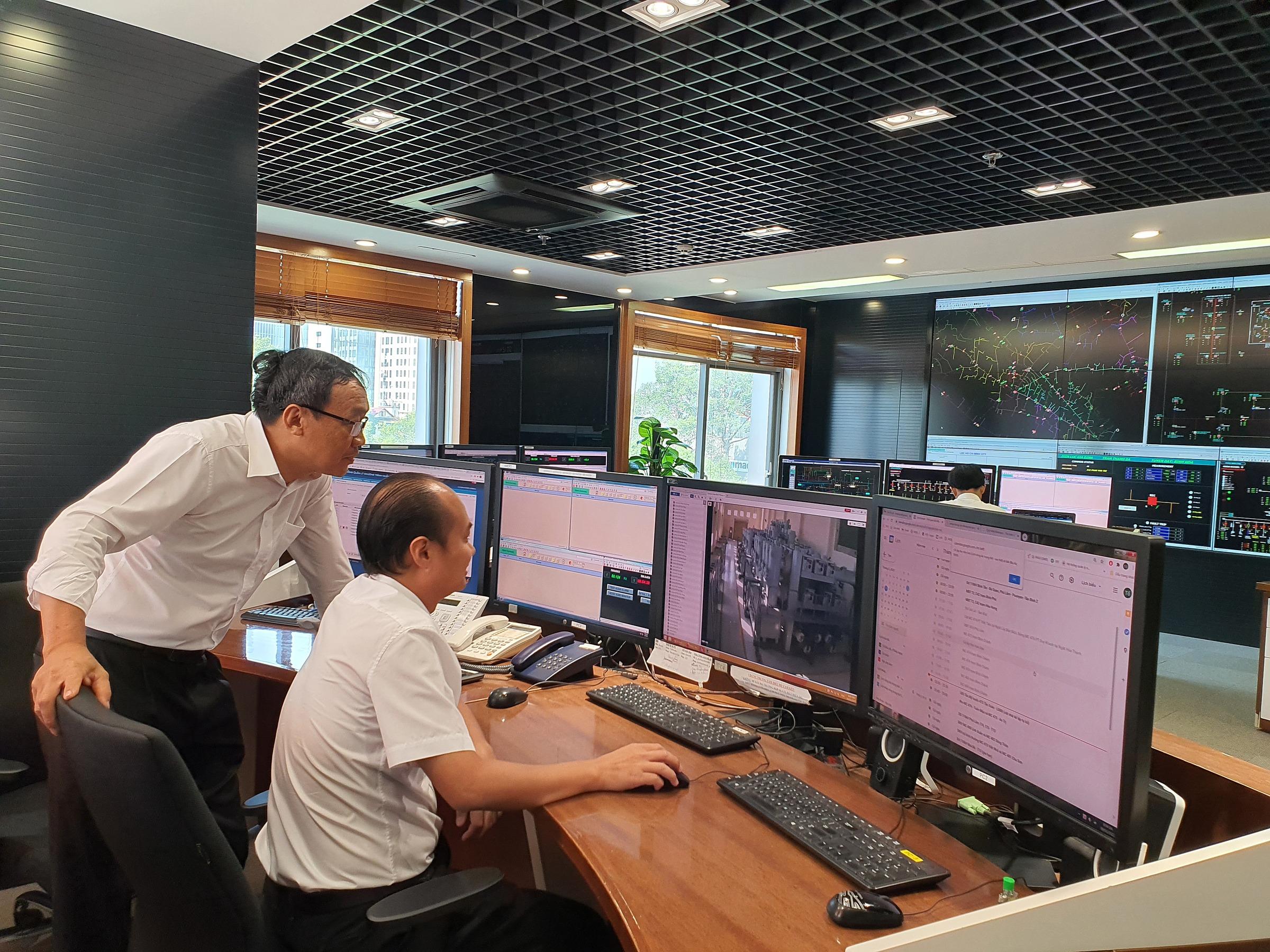 EVNHCMC liên tục ứng dụng khoa học công nghệ để quản lý hiệu quả, nâng trải nghiệm người dùng. Ảnh: EVNHCMC.