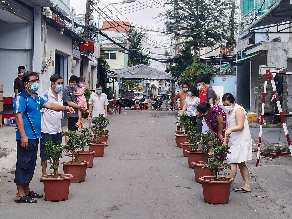12 hộ dân trên đường ĐHT 05, khu phố 7, phường Tân Hưng Thuân sáng ngày 2/6: Ảnh: UBND phường Tân Hưng Thuận.