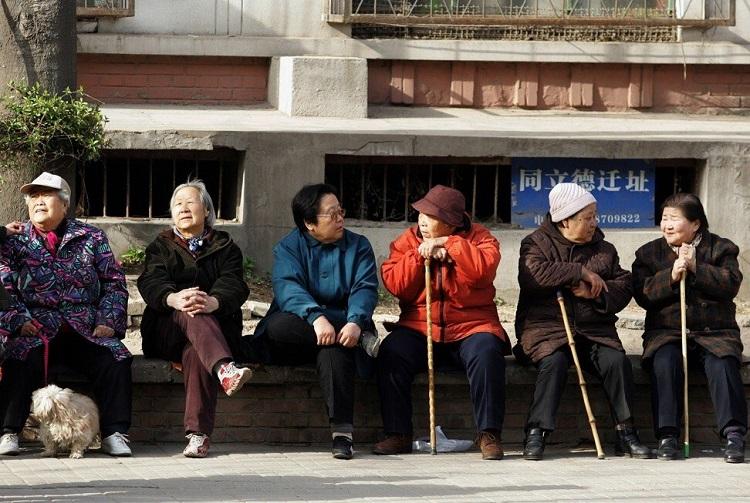 Người trên 60 tuổi dự kiến chiếm 1/3 dân số Trung Quốc năm 2050. Ảnh: AFP.