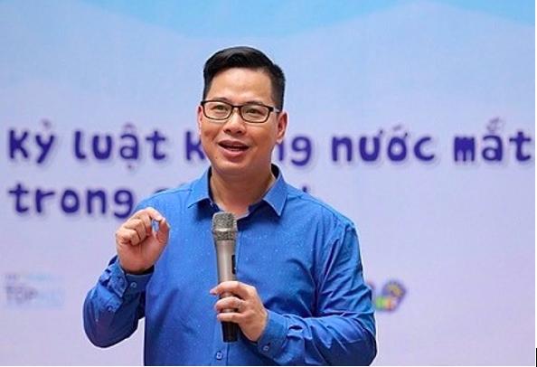 PGS.TS Trần Thành Nam cho rằng cách lựa chọn và quyết định tài chính trong hiện tại sẽ có ảnh hưởng đến sức khoẻ tài chính trong tương lai của mỗi cá nhân. Ảnh: PGS.TS Trần Thành Nam.