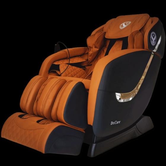 Ghế massage Dr.Care Golfer GF838 – Màu đen – nội thất Nâu Vàng - Đen 31.000.000đ (- 49 %)Ghế có kích thước 128 x 83 x 120 (cm); trang bị 2 bộ máy massage tân tiến nhất của Dr.Care tại Mỹ (2 máy trong 1 ghế). 2 máy massage có tổng cộng là 8 tay đấm, tương đương với 4 người xoa bóp đấm lưng cùng lúc. Công nghệ này giúp tăng gấp đôi hiệu quả massage, giúp tiết kiệm thời gian, giảm đau nhức. Hai máy massage sẽ giữ chặt cơ thể, kéo căng, duỗi thẳng cơ thể của bạn, đem đến một cảm giác thư giãn và thoải mái.  Ghế tích hợp nhiều chương trình massage dành cho nhiều lứa tuổi: người cao tuổi, trung niên, thanh niên trẻ, đàn ông mạnh mẽ và phụ nữ thích êm ái dịu nhẹ. Sản phẩm giảm 49% còn 31 triệu đồng.