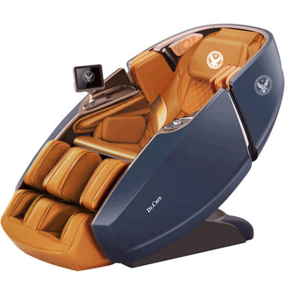 Ghế massage Phi Thuyền Vũ Trụ SS 919X giảm 46% còn 269 triệu đồng; có kích thước 172,5 x 94 x 114 (cm); đúc bằng sợi composite dẻo dai. Sơn 6 lớp, với 5 lớp sơn chính và một lớp sơn phủ bóng bảo vệ. Bên trong ghế trang bị 2 bộ máy massage 4DX2 - Dual Cores. 2 máy massage 4DX2 có tổng cộng là 8 tay đấm, tương đương với 4 người xoa bóp đấm lưng cùng lúc.Sản phẩm trang bị loa nghe nhạc chính hãng Dr.Care của Mỹ; màn hình điều khiển cảm ứng 8 inch không dây; khay sạc nhanh iPhone, sạc không dây và núm vặn điều khiển một chạm... tiện lợi.