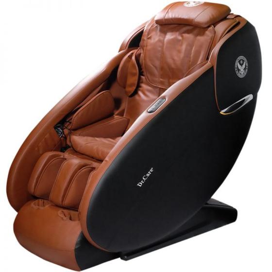 Ghế massage Dr.Care Xreal 933 giảm 37% còn 69 triệu đồng; thiết kế kiểu ngồi không trọng lực của phi hành gia trên tàu vũ trụ; có cụm đèn LED; massage từ đỉnh đầu đến bên dưới vùng mông đùi. Ghế này có thể massage xông nóng vùng đầu gối; massage chân 3D, xoa bóp từng chi tiết của gót chân, lòng bàn chân, và từng ngón chân.Ghế tự động di chuyển về sát tường ngay khi kết thúc massage, giúp tiết kiệm không gian và có phím tắt tạm dừng massage ngay khi có việc gấp.