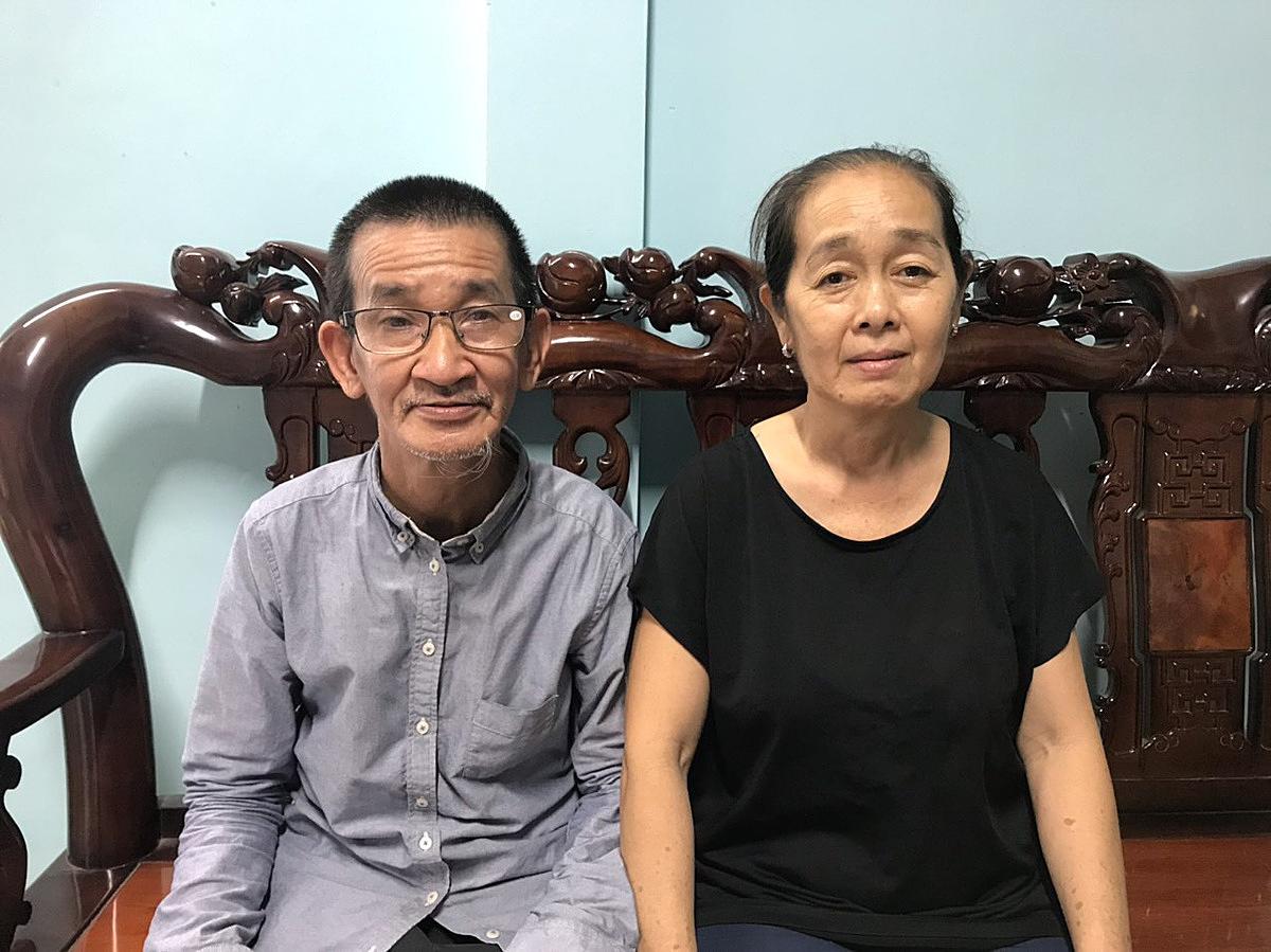 Ngoài cho thuê phòng trọ, vợ chồng ông Tới cũng còn bán nước mía để trang trải chi phí chữa bệnh hàng tháng gần chục triệu đồng . Ảnh: Nguyễn Văn Nơi.