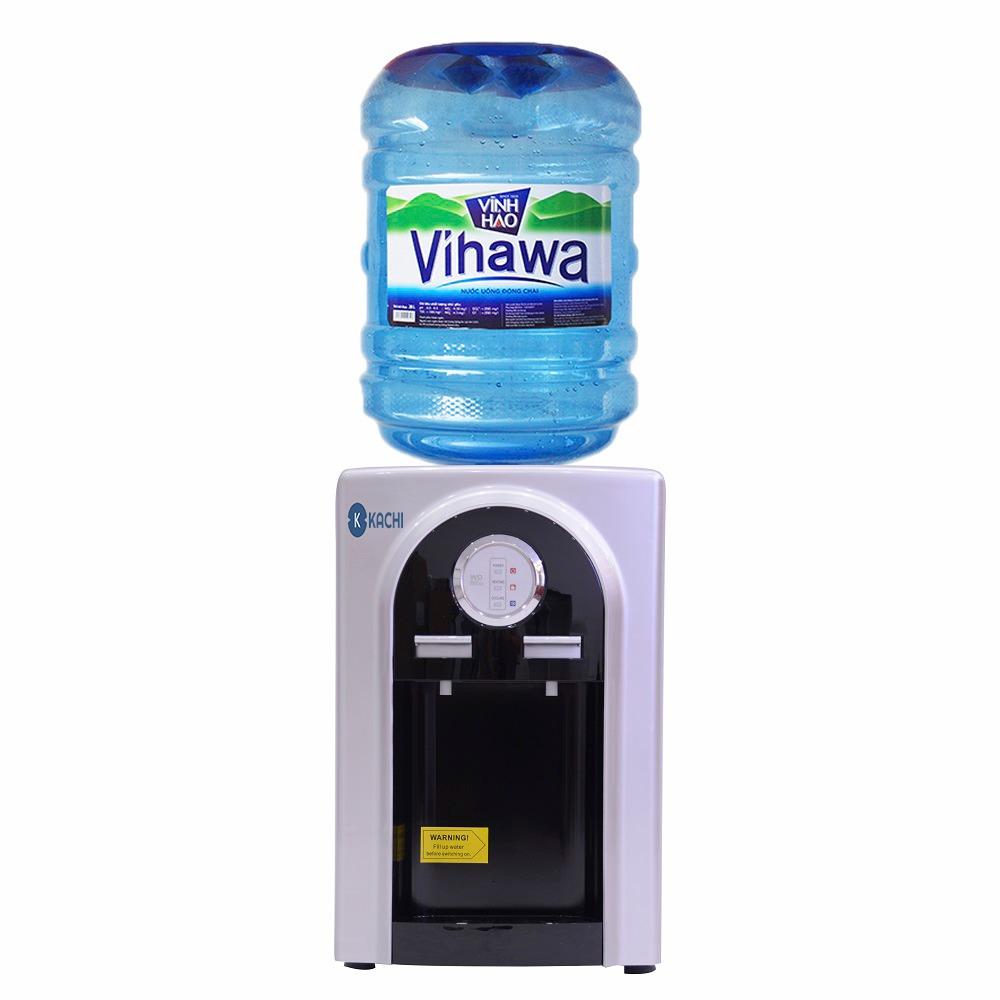 Cây nước nóng lạnh Kachi LN04 có giá giảm 32% còn 949.000 đồng (giá gốc đến 1,399 triệu đồng). Nhiệt độ làm lạnh 10-15 độ C, làm nóng 85-95 độ C. Với công suất làm lạnh 65 W, công suất làm nóng 500 W, sản phẩm giúp cung cấp nước nóng dùng pha cà phê, pha trà, nấu mì... Hệ thống làm lạnh bằng chip điện tử. Bình chứa nước lạnh bằng nhựa, không chứa chất gây hại cho sức khỏe.