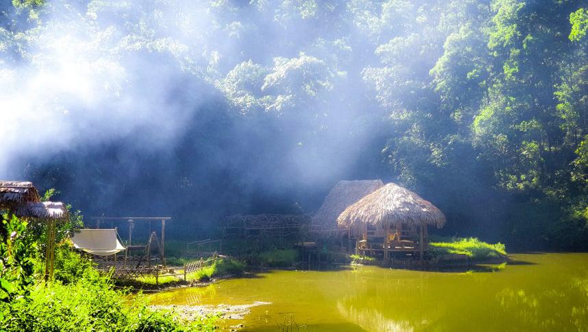 Khi làm xong công trình Ngôi nhà không của ai cả, Nguyễn Hoa Việt quyết định sẽ đi đến một nơi nắng gió khác, có thể hoang vu hơn nơi này hoặc một thiền viện để cải thiện sức khỏe. Ảnh: Nhân vật cung cấp.