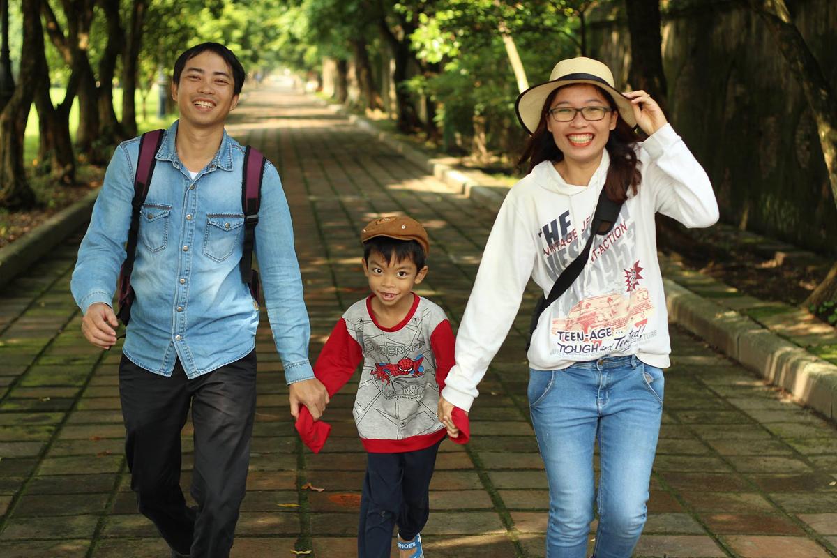 Lê Nguyệt, hiện 35 tuổi cùng chồng, 38 tuổi và con trai 10 tuổi đã sống cuộc đời không lo tiền bạc từ 4 năm trước - khi họ tự do tài chính. Ảnh: Nhân vật cung cấp.