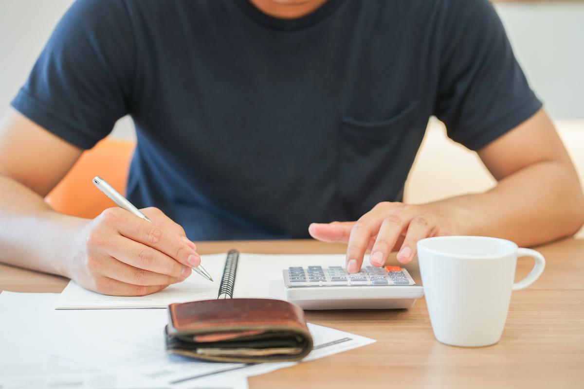 Lời khuyên của các chuyên gia là hãy tránh để khoản vay quá lâu. Càng để lâu, cơ hội đòi nợ của bạn càng thấp. Ảnh minh họa: Shutterstock.