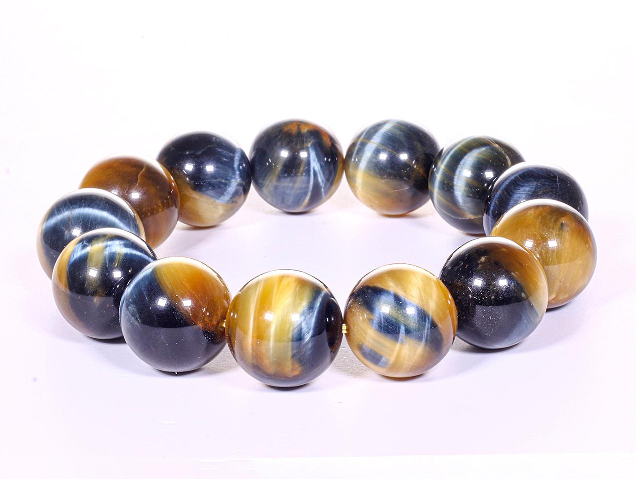 Vòng tay nam đá thạch anh mắt ưng AAA 18 mm mệnh thủy, mộc - Ngọc Quý Gemstones 2.199.000đ (- 30 %)Đường kính : 60mm, Bảo hành:24 tháng