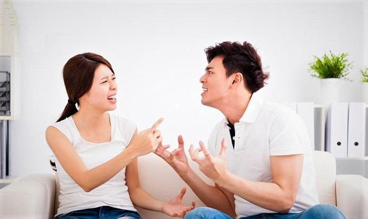 Vợ chồng nghỉ dịch tại nhà, nhiều cặp đôi thường phát sinh mâu thuẫn. Ảnh minh họa: shutterstock.