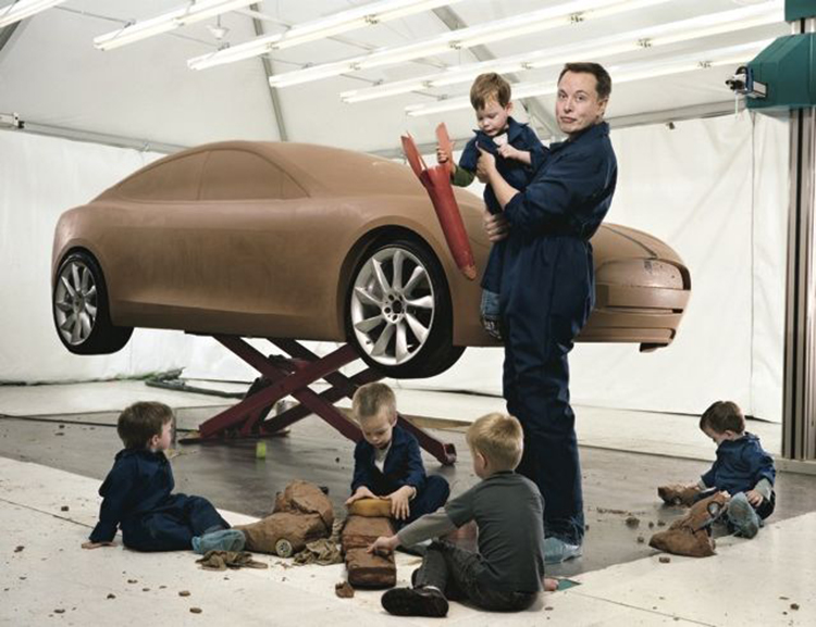 Elon Musk bên 5 cậu con trai với người vợ đầu khi chúng còn nhỏ. Ảnh: Twitter.