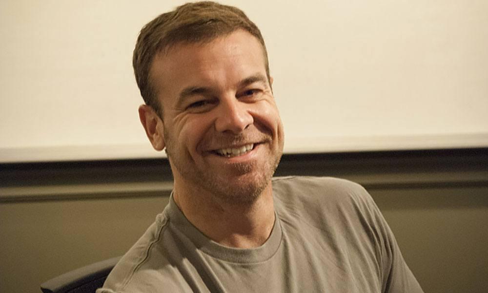 Bryan Clayton, triệu phú kiêm Giám đốc điều hành của công ty dịch vụ chăm sóc nhà cửa GreenPal. Ảnh: Medium.