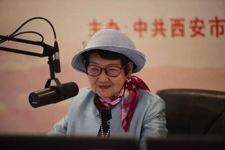Hiện tại Ngô Thắng Minh đã 89 tuổi. Bà thường xuyên livestream hoặc quay video Tiktok về cuộc sống thường ngày. Ảnh: 163.com.