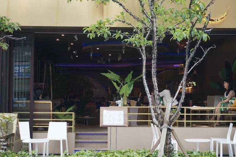 Những quán cà phê hẹn hò ở Hàn. Ảnh: Vice