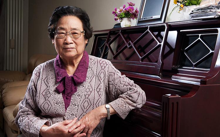 85 tuổi được trao giải Nobel Y học, Đồ U U là một trong những người phụ nữ lớn tuổi nhất được trao giải Nobel y sinh học từ trước tới nay. Ảnh: Sina