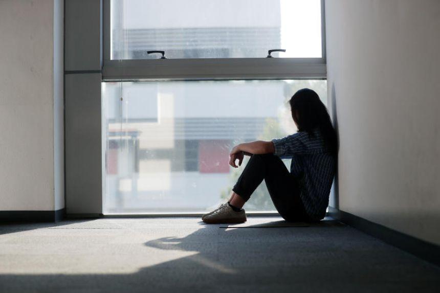 Đại dịch khiến số người gặp vấn đề tăng lên, phần lớn ở độ tuổi dưới 30. Ảnh: straitstimes.