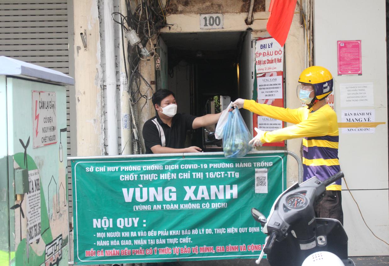 Từ ngày 12/9, người dân địa bàn quận Hoàn Kiếm (Hà Nội) đã có thể nhờ tài xế Be đi chợ hộ.