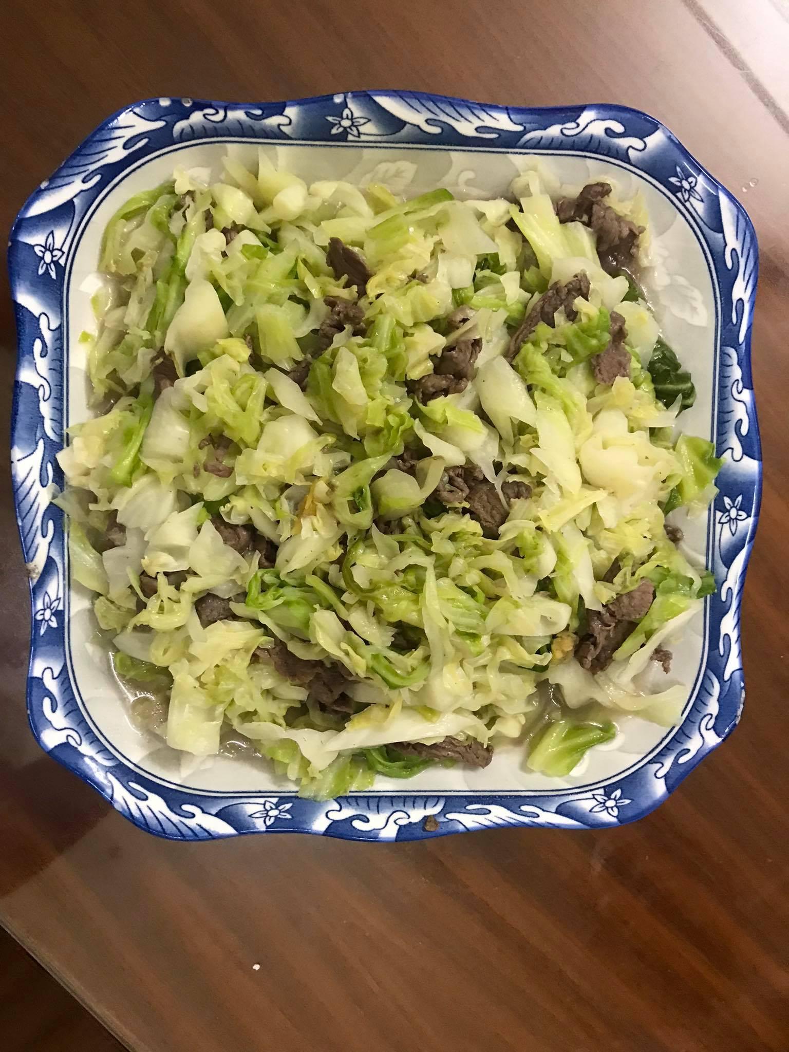 Món thịt bò xào bắp cải dễ làm, dễ ăn.