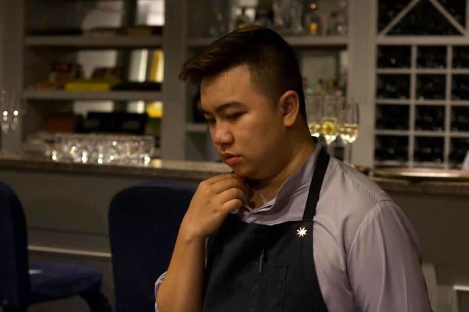 Phan Huy Anh là một nhân viên phục vụ, mất việc từ tháng 4/2021 đến nay. Ảnh: NVCC