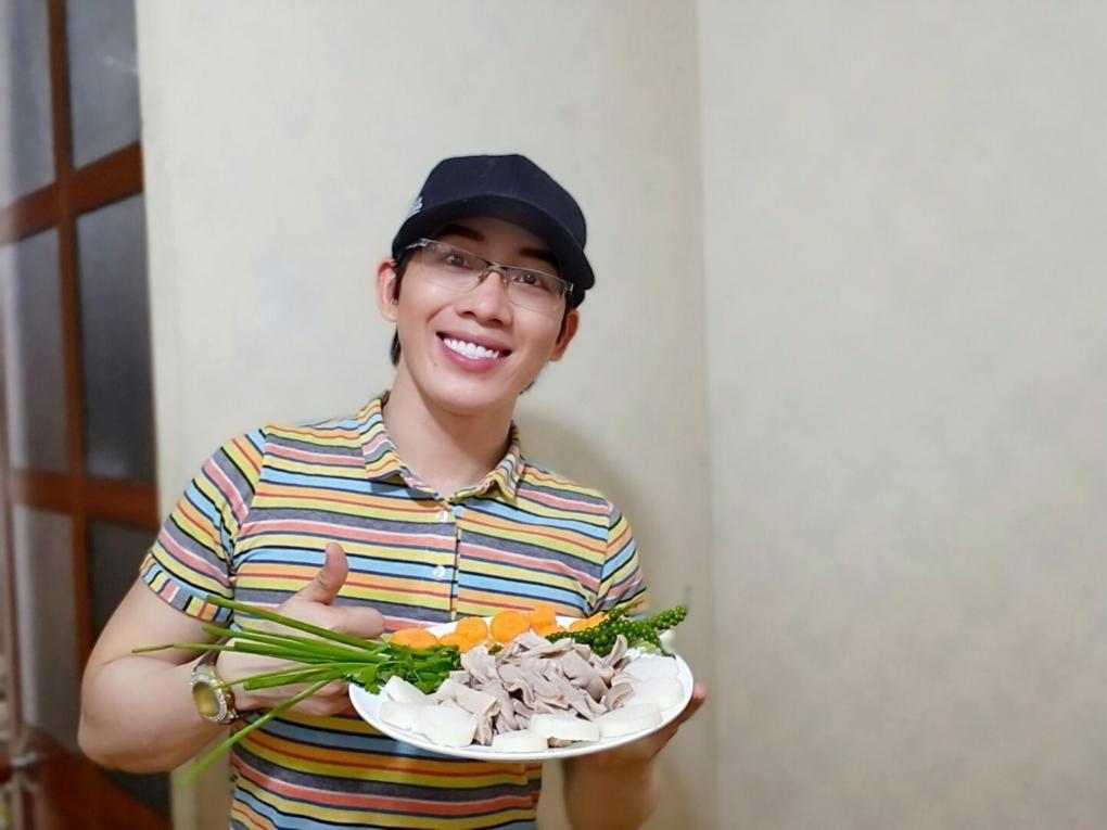 Món bao tử hầm tiêu xanh thơm ngon của ca sĩ Quách Gia Thành đạt giải nhất tuần 7 cuộc thi.