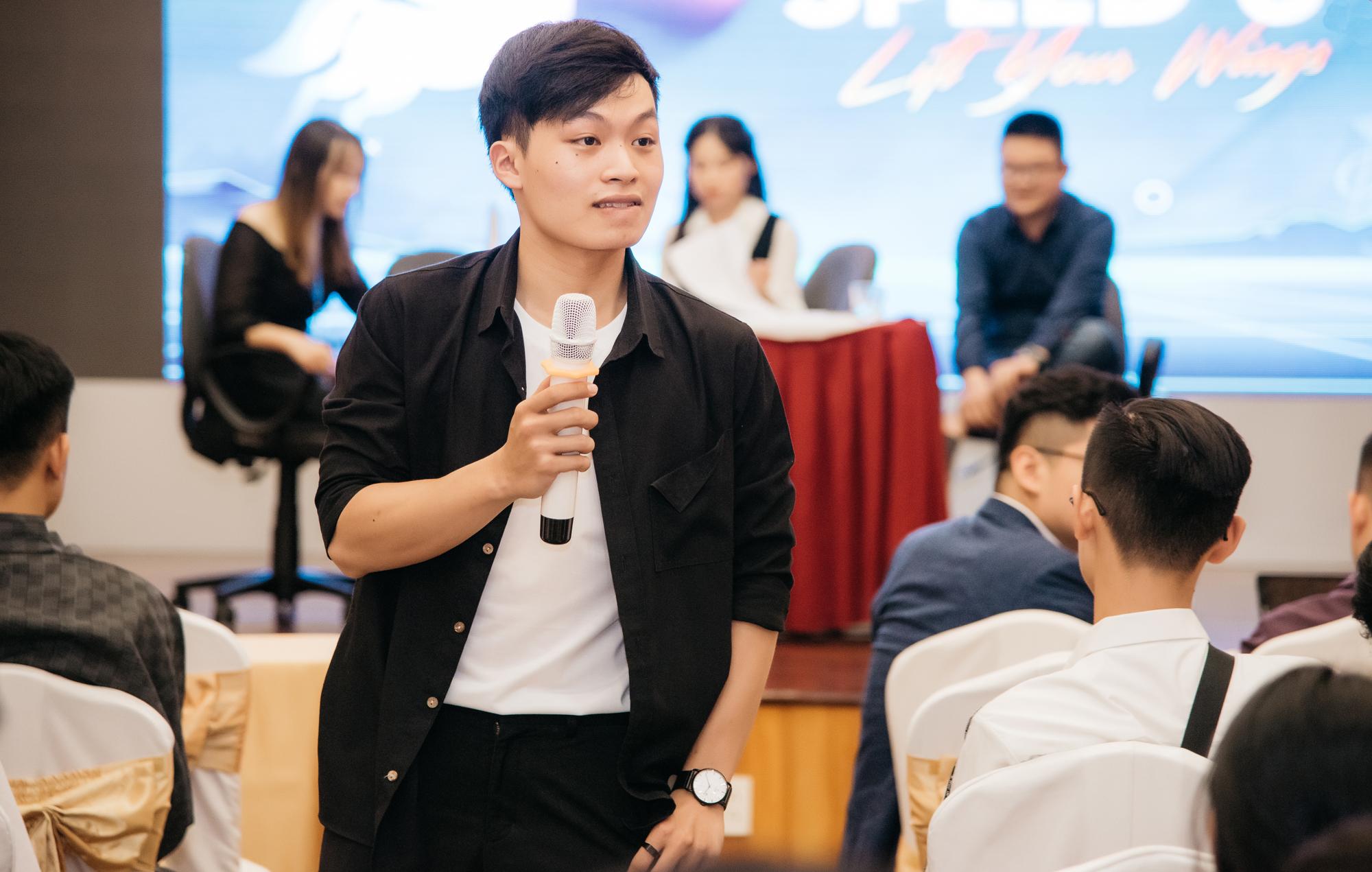 Hoàng Trí Dũng, người sáng lập và CEO một công ty có hơn 30 nhân viên, trong một ngày hội giới thiệu việc làm năm 2020. Ảnh: Nhân vật cung cấp