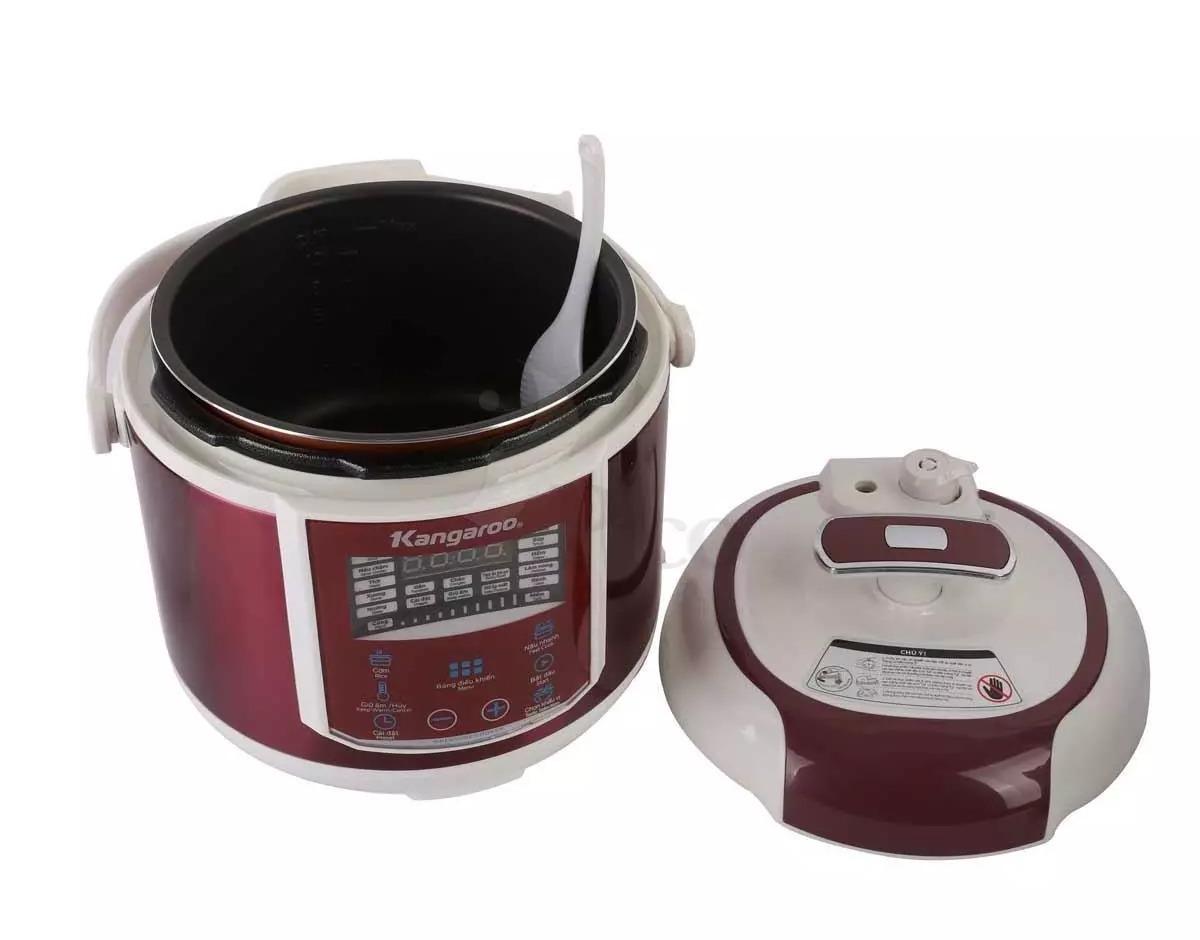 Nồi áp suất Kangaroo KG281 có giá chỉ 1,19 triệu đồng, giảm 35% so với giá gốc. •Thiết kế nắp đặc biệt có tay xách, màn hình LED hiển thị thời gian và chức năng nấu. Hệ thống kiểm soát áp suất tự động cùng lòng nồi chống dính Whitford, giúp thức ăn chín nhanh, tiết kiệm thời gian, dễ lau chùi. Nồi tích hợp sẵn đa chức năng nấu gồm: hầm thịt, nấu cơm, hấp, nấu súp, nấu cháo, ninh sườn, nấu canh, ủ ấm...