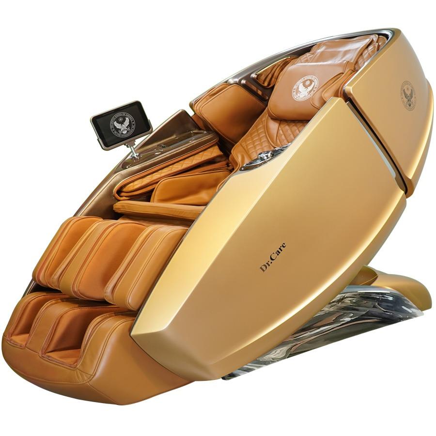 Ghế massage Phi Thuyền Vũ Trụ SS 919X màu vàng 24K giảm 46% còn 269 triệu đồng; có kích thước 172,5 x 94 x 114 (cm); đúc bằng sợi composite dẻo dai. Sơn 6 lớp, với 5 lớp sơn chính và một lớp sơn phủ bóng bảo vệ. Bên trong ghế trang bị 2 bộ máy massage 4DX2 - Dual Cores. 2 máy massage 4DX2 có tổng cộng là 8 tay đấm, tương đương với 4 người xoa bóp đấm lưng cùng lúc.Sản phẩm trang bị loa nghe nhạc chính hãng Dr.Care của Mỹ; màn hình điều khiển cảm ứng 8 inch không dây; khay sạc nhanh iPhone, sạc không dây và núm vặn điều khiển một chạm... tiện lợi.